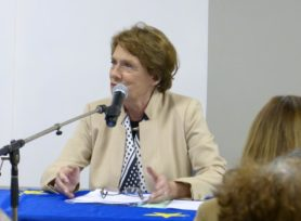 conférence 6 nov 2013 Mme Lalumiere Mémorial Mayenne 2